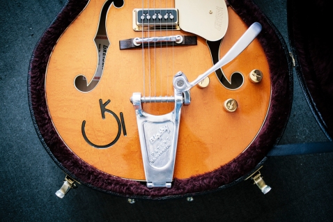 Classic Guitars-9992